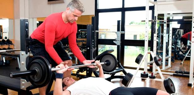 Regelmäßiges Kraft-Training kurbelt die Testosteron-Produktion an