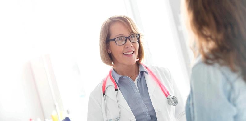 Frauenärztin und Patientin