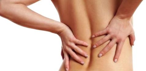 Person mit Rückenschmerzen