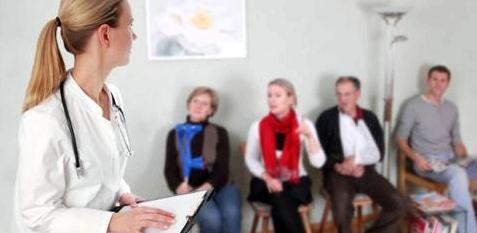 Wartezimmer beim Arzt