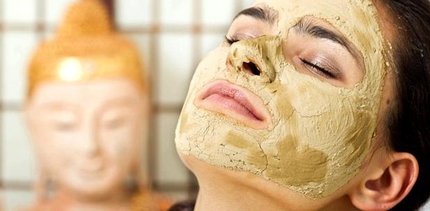 Heilerde-Maske gegen Hautunreinheiten