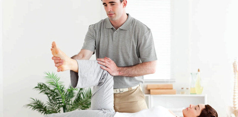 Physiotherapie bei einer Frau