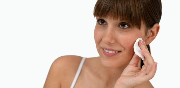 Unsere Haut benötigt die richtige Pflege. Diese variiert von Hauttyp zu Hauttyp
