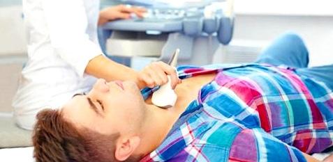 Schilddrüsenuntersuchung beim Mann