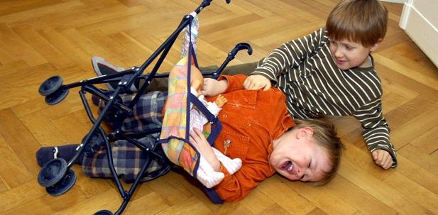 Aggressives Verhalten beim Kind am besten sofort thematisieren