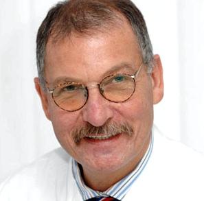 Prof. Dr. med. Hans Behrbohm, Chefarzt der HNO-Abteilung in der Park-Klinik Weißensee, Berlin