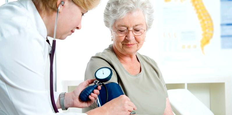 Patienten, die unter Bluthochdruck leiden und blutdrucksenkende Medikamente einnehmen müssen, haben ein deutlich höheres Schlaganfallrisiko