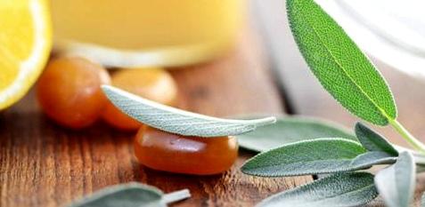 Hustenbonbons mit Salbei, Zitrone und Honig