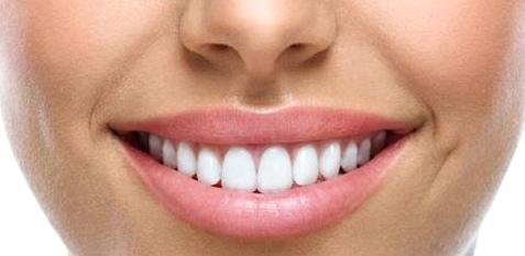 Mundgymnastik wie Lippen- oder Pustebewegungen können bei Sprachstörungen helfen
