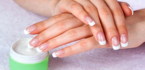 Schöne Nägel statt Fingernagelpilz