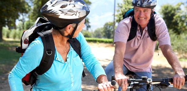 Radfahren beugt offenen Beinen vor