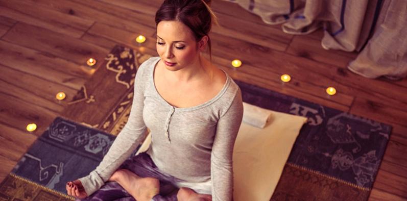 Zur Schlaganfall-Vorbeugung gehört u.a. auch die Reduzierung von Stress, zum Beispiel durch Meditation