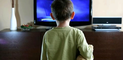Fernsehen kann bei Kindern Schlafstörungen verursachen