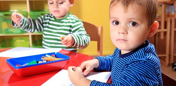 Damit sich Hautkrankheiten in Kitas nicht verbreiten, müssen Kinder mit Hautausschlag nach Hause, um die anderen nicht anzustecken