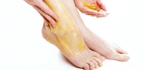 Salbenverbände helfen nach Zerrungen