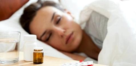 Frau ist krank und schläft