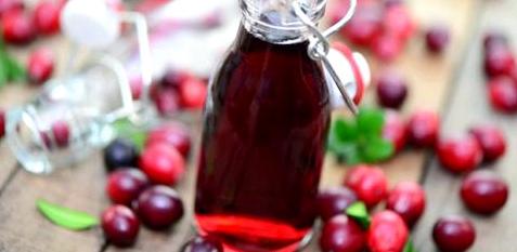 Cranberry-Saft kann Sie vor Blasen- und Nierenentzündungen schützen