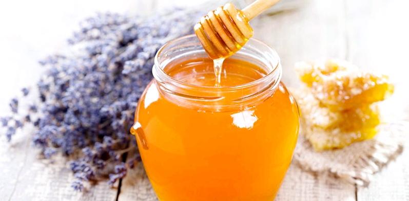 Über 180 gesunde Inhaltsstoffe im Honig schützen, heilen und liefern Energie