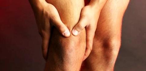 Hinter nächtlichem Kribbeln und Brennen der Haut kann sich häufig ein ernstzunehmender Nervenschaden verbergen